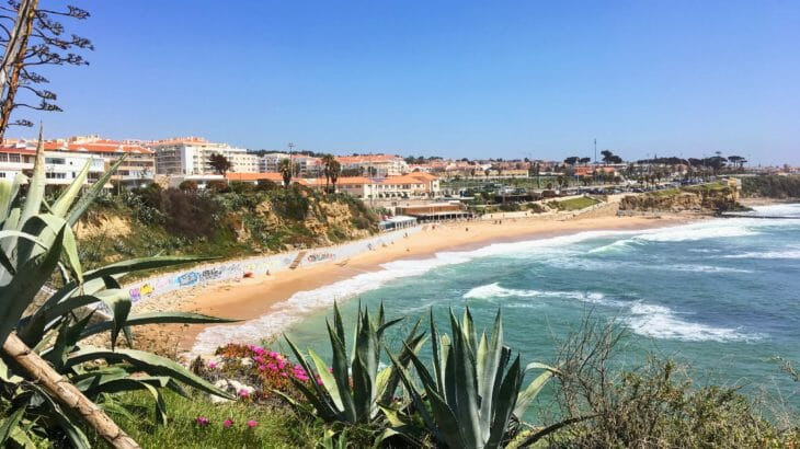 7 best beaches to go near Lisbon