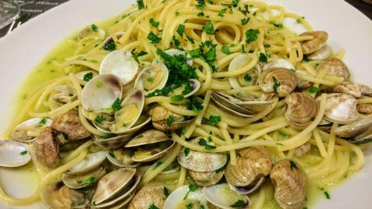 【物価が高いベネチアで名物シーフード料理を!】おすすめの絶品&安いローカルレストランを紹介します。
