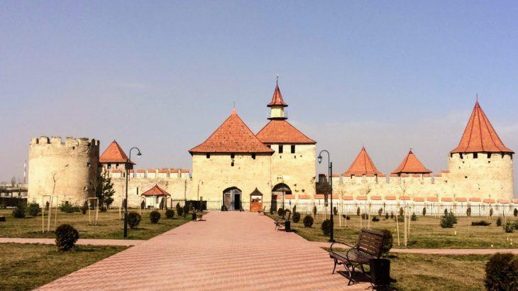 巨大な要塞とソ連感満載の街並み・沿ドニエストルのベンデルへ寄り道。