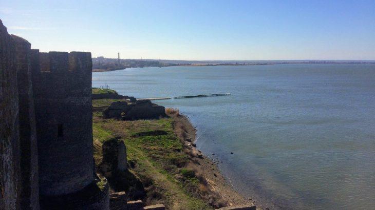 【ウクライナ】オデッサから日帰りで行ける!黒海を望む廃城塞へデイトリップ。