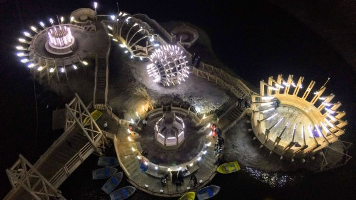 地底ボートに地底観覧車…ルーマニアの地底遊園地が色々とぶっ飛んでる。