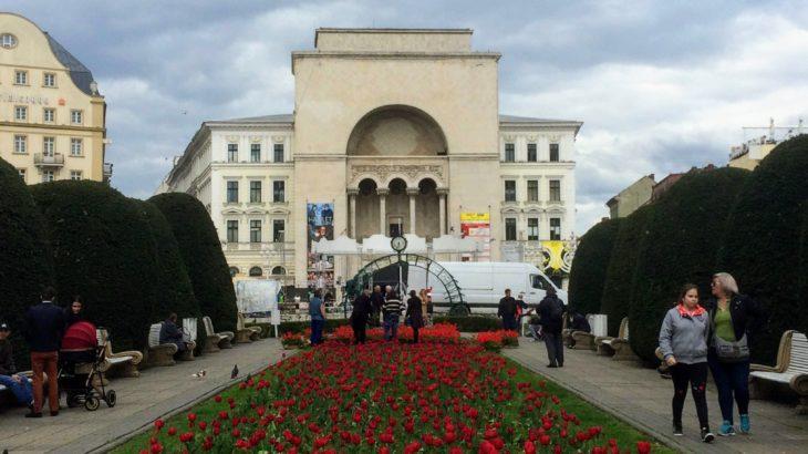 ルーマニア革命始まりの地!映画のような町並みのティミショアラの観光スポット&ホステル情報