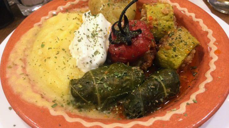 ボスニア料理の絶品名物グルメ10品を写真付きで紹介&ボスニアでの食事のマナー、チップ制度を解説。