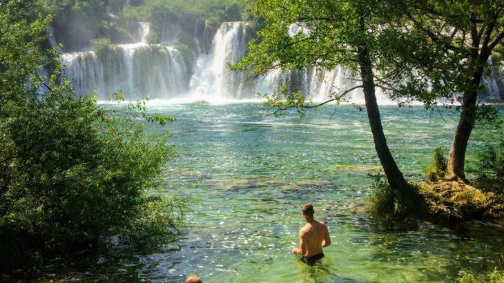 【クロアチア】クルカ国立公園の滝壺で泳ぎたい!アクセス・チケット予約・まわり方・おすすめ時期など徹底解説!