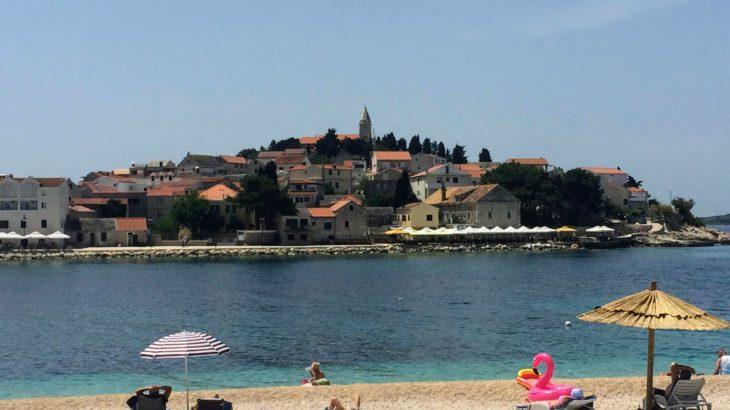 【クロアチア】ロンリープラネットの表紙の町・プリモシュテンへビーチトリップ!