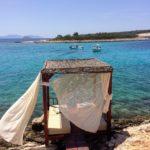 フヴァル島からボートトリップ!海が綺麗すぎる離島ビーチで過ごす休日。