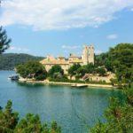 湖に浮かぶ修道院の絶景!ムリェト島日帰り旅のアクセス、まわり方。