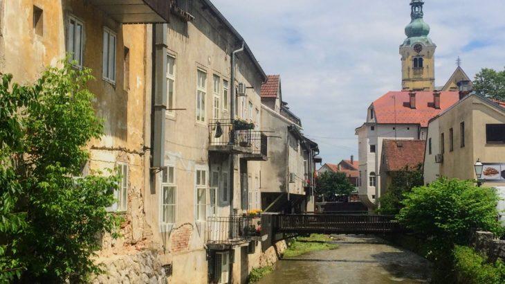 【クロアチア】ザグレブ近郊のサモボルに名物スイーツを味わう日帰り旅行へ。