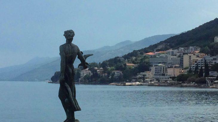【クロアチア】リエカから日帰りでアドリア海沿い散歩。オパティヤの楽しみ方