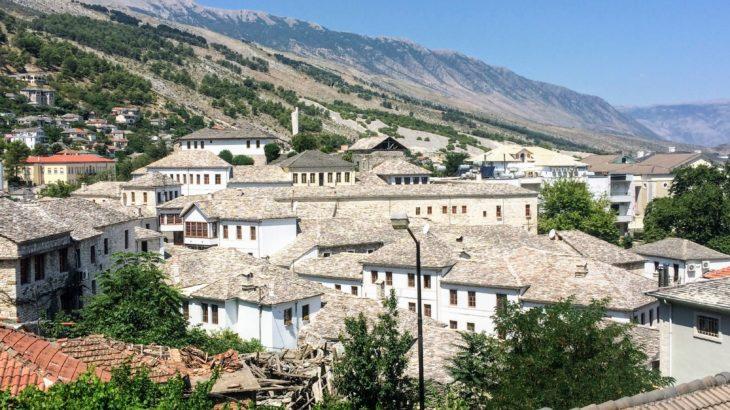 世界遺産の「石の町」ジロカストラの観光スポットと名物グルメ。【アクセス&宿情報も】