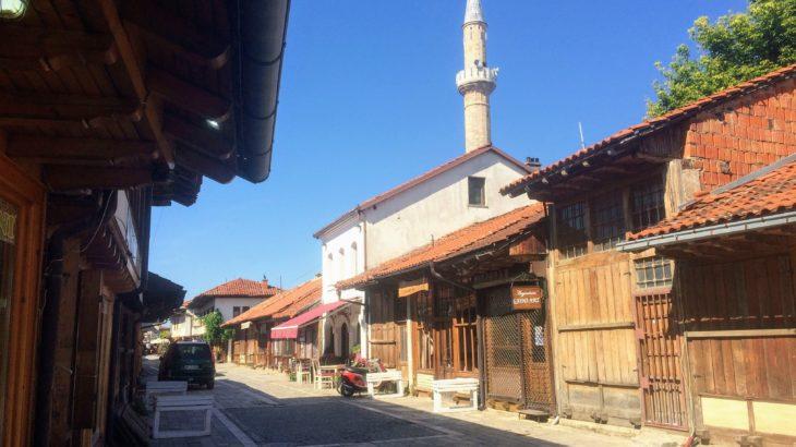 """もはや日本!""""コソボの小京都"""" ジャコヴァの懐かしい風景を巡る旅へ。【行き方と見どころを解説】"""