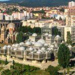 センス疑う!コソボの首都・プリシュティナのヘンテコ建造物6選&観光スポット【アクセス・ホステル情報】