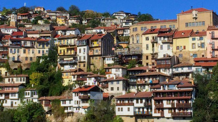絶景だらけの旧市街!ヴェリコ・タルノヴォの観光スポットをエリア別解説【ホステル・バスステーション・移動情報】